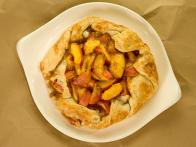 CCKEL103L_Fresh-Peaches-and-Cream-Rustic-Pie_s4x3