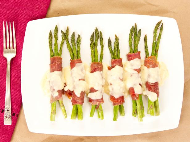 Asparagus Wrapped in Prosciutto with Beurre Blanc