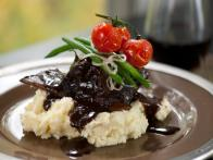Braised Short Ribs on Garlic Mashed Potatoes with Green Beans and Poached Tomatoes