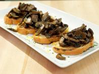 CCEV105_Bruschetta-with-Sauteed-Mushrooms_s4x3
