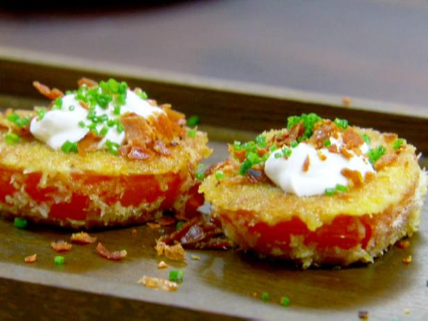 Fried Red Tomatoes with Sour Cream and Prosciutto