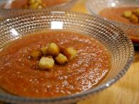 CCFFA109_Summer-Tomato-Soup-with-Basil-and-Croutons_s4x3