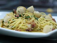 Spaghetti with Bay Scallops, Guanciale and Parsley