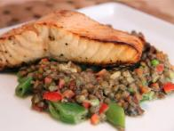 CC-kelsey-nixon_broiled-salmon-with-lentil-salad_s4x3