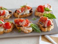 CC_Sweet-Pepper-Crostini_s4x3