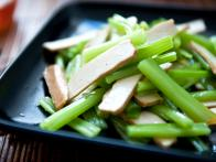 CCMIN110_Celery-and-Tofu-Salad_s4x3