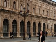 CCSWL_Annie-Sibonney-walking-in-the-La-Plaza-de-Espana_s3x4