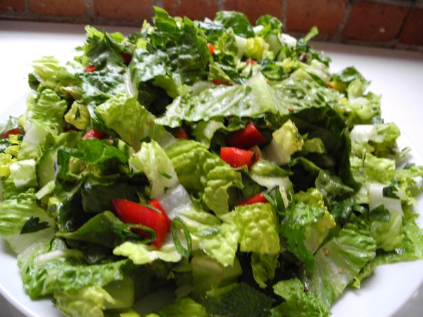 Green Salad with Zesty Lemon Garlic Dressing