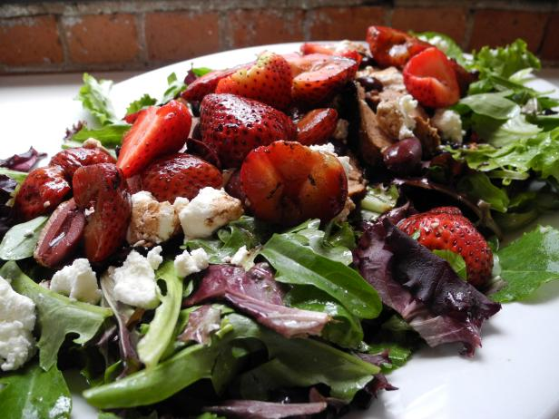 Herb Marinated Pork Tenderloin Salad with Balsamic Strawberries and Goat Cheese