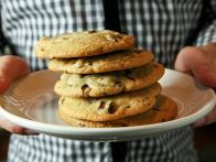cc_best-ever-giant-chocolate-chip-cookies-recipe-03_s4x3