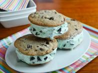cc_mint-chocolate-chip-ice-cream-sandwich-cookies-recipe-03_s4x3