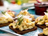 CCBAB207L_open-faced-egg-sandwich-dill_s4x3