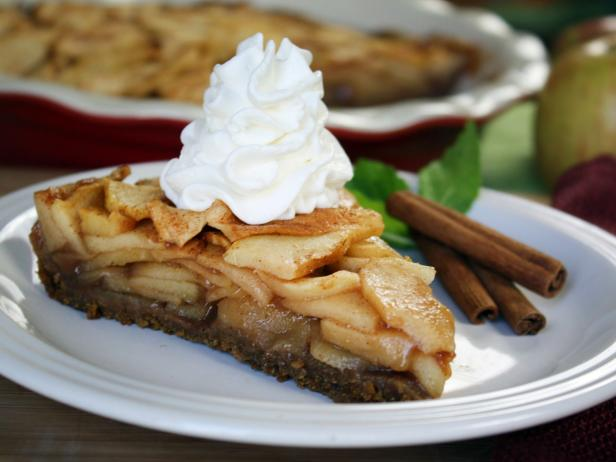Gooey-Good Fuji Apple Pie