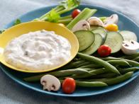 AI0112_Cucumber-Yogurt-Dip
