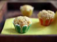 CC-Devour_mini-spiced-carrot-muffin-scopeland_s4x3