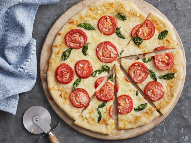 Pizza with Fresh Tomatoes and Basil