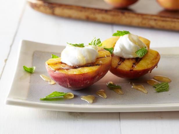 Grilled Peaches with Honey, Yogurt and Mint