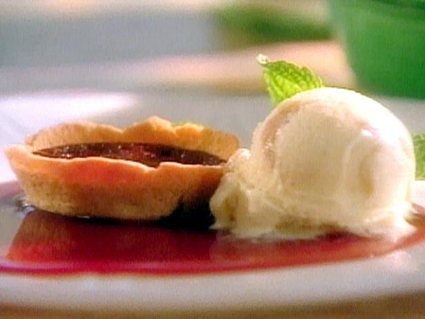 Fudge Tartlets with Peanut Butter Ice Cream and Cabernet Caramel