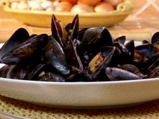 Cooking Channel serves up this Mussels in Oyster Sauce recipe from Brian Boitano plus many other recipes at CookingChannelTV.com