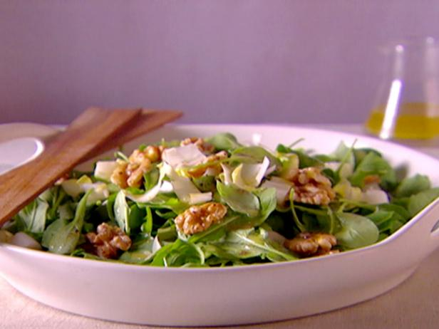 Arugula Endive Salad with White Wine Vinaigrette