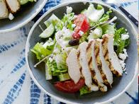 0044981F1_Greek-Salad-with-Oregano-Marinated-Chicken_s4x3