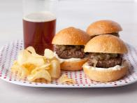 EA1G16_mini-man-burgers_s4x3