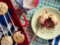 CCKEL206_Berry-Pie-Pops-on-a-Stick_s4x3