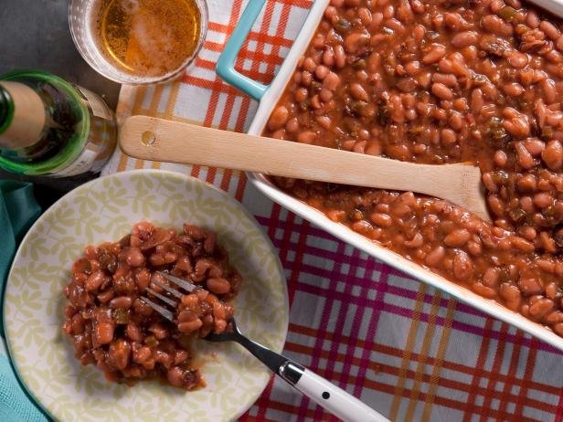 Tangy Maple Baked Beans with Applewood Smoked Bacon