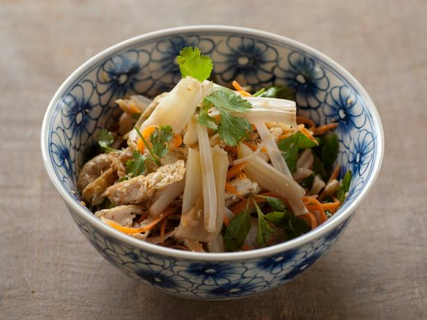 Young Jackfruit and Tofu Salad: Goi Mit Dau Hu