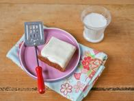 CC-kitchens_banana-bread-bars-with-cream-cheese-frosting-recipe-4_s4x3