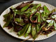 0068942F1_Chili-Beef-Stir-Fry-with-Scallions-and-Snow-Peas_s4x3