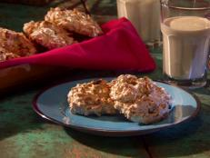 Cooking Channel serves up this Pistachio Macaroons recipe from Roger Mooking plus many other recipes at CookingChannelTV.com