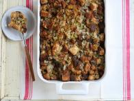 cc-kitchens_cornbread-oyster-sausage-herb-dressing-recipe-02_s4x3