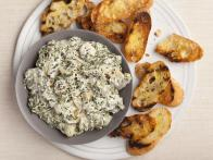 Thanksgiving-2011_EA1F08-spinach-artichoke-dip_s4x3