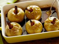 GE_Baked-Apples-with-Rum-and-Cinnamon_s4x3