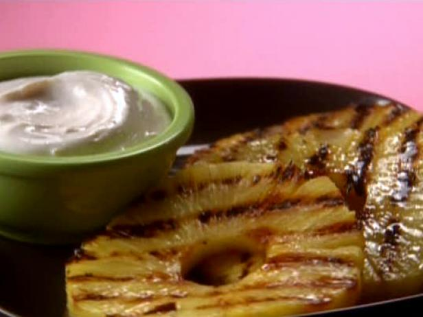 Hungry Grilled Pineapple with So-Good Cinnamon-Vanilla Yogurt Dip