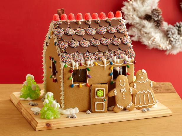 Gingerbread House and People