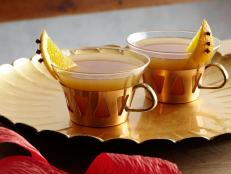 Cooking Channel serves up this Mulled Cider recipe from Kelsey Nixon plus many other recipes at CookingChannelTV.com