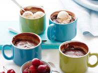 CCCLC104_3-Minute-Chocolate-Cup-Cake-Recipe_s4x3