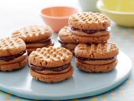 CCUQS309_Treats-Truck-Peanut-Butter-Sandwich-Cookies-recipe_s4x3