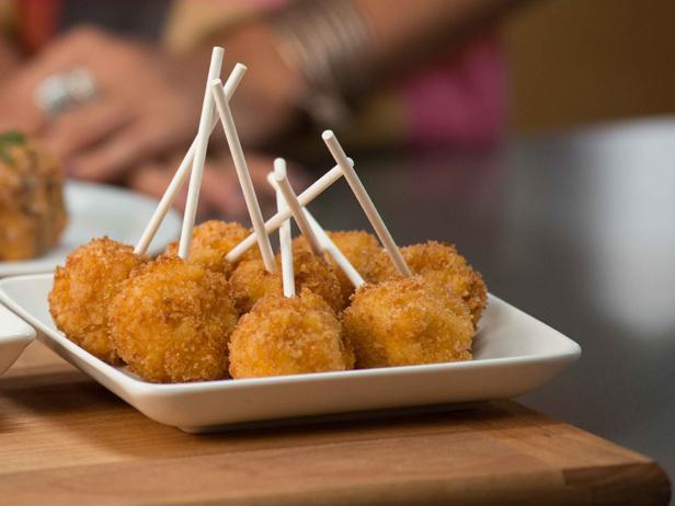 Mac and Cheese Pops