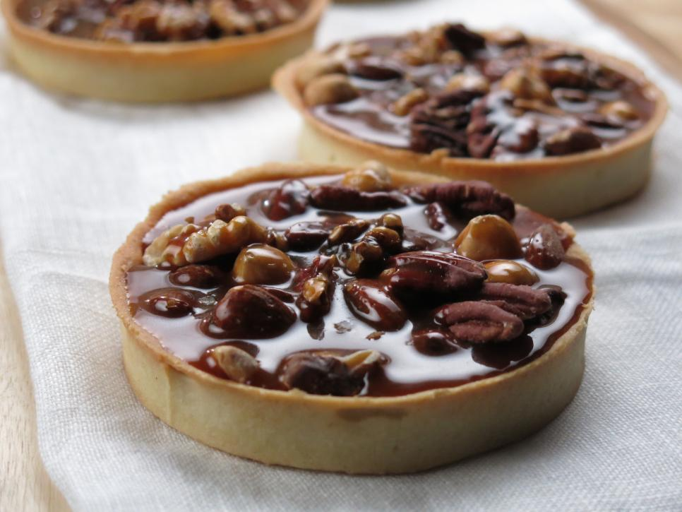 CCUQS409_Salted-caramel-and-nut-tart-at-The-Little-Tart-Bakeshop-in ...