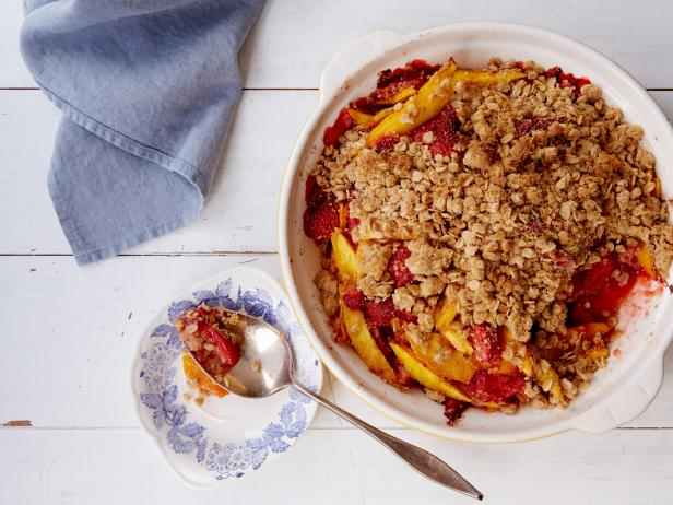 Mango-Strawberry Crumble