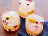 CCBAB412-Cranberry-Orange-Vodka-Tonic-Recipe_s4x3