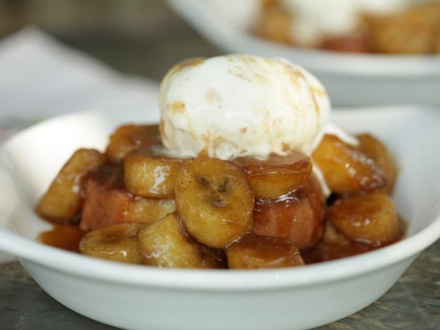 Bananas Foster with Spiced Rum