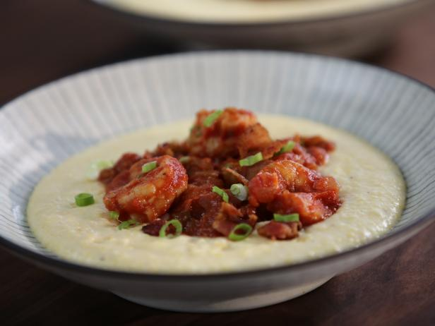 Tia's Shrimp and Grits