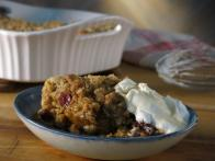 Baked Pumpkin Oatmeal with Cinnamon Crumbles