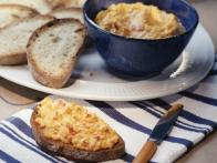 Pimento Cheese Spread with Crusty Bread