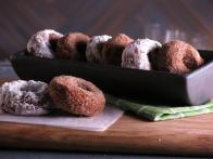 CCBAB513_Apple-Cider-Donuts-recipe_s4x3