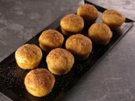 CCBAB510_Cinnamon-Sugar-Mini-Pancake-Muffins-recipe_s4x3
